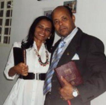 Foi através do Amor Em Cristo que tive a oportunidade de conhecer uma pessoa muito especial... Estamos muito felizes!