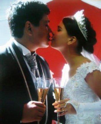 Completaremos agora 4 anos de casados, somos muito felizes, a cada dia o nosso amor cresce e se fortalece!