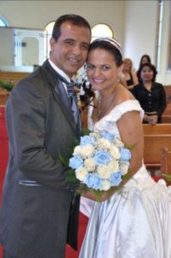 Deus é fiel quando o assunto é cumprir Suas Promessas, e sabe agir no tempo certo. Louvo a Deus pela vida de meu amado esposo Marcos Aurélio, escolhido divinamente para me amar e me honrar.