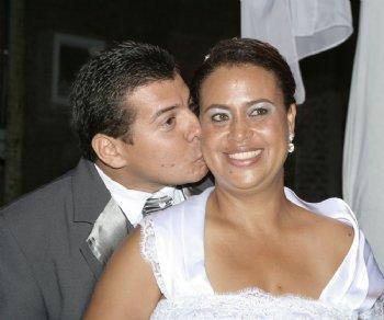 Tivemos muitas lutas, mas para a honra e glória do SENHOR, hoje estamos casados, vivendo debaixo da presença do nosso Grande Deus!
