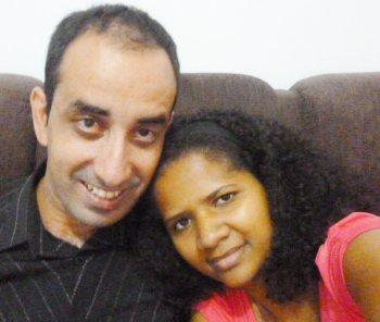 Posso ver que ele é uma pessoa especial… Creio que Deus possui planos maravilhosos reservados para nossas vidas. Já ficamos noivos e marcamos nossa data de casamento.