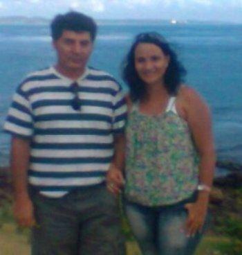 Ele morava no Peru e eu no Brasil. Começamos a conversar através do site e também passamos a orar. Fomos surpreendidos por um imenso amor...
