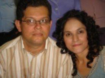 Passamos a orar e jejuar, pedindo que Deus confirmasse nosso matrimônio. Depois de muitas confirmações por parte de Nosso Deus, decidimos nos casar!