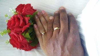 Agradeço a Deus por reconstruir minha vida sentimental, curar minhas feridas e me presentear com um de seus servos como esposo....