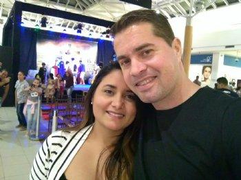 Estamos muitos felizes e já planejando o casamento, pois nosso encontro foi de Deus e não temos dúvidas disso.